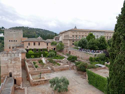 王宮とカルロス5世宮殿