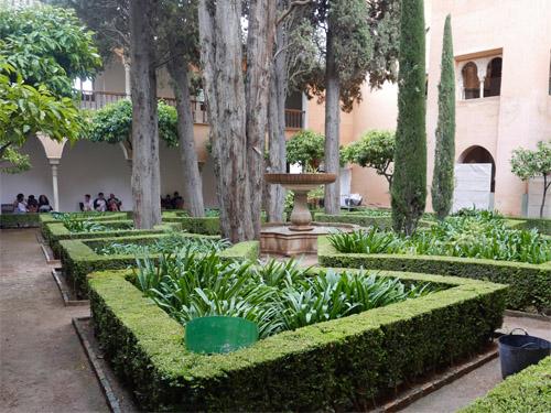 リンダラハの中庭