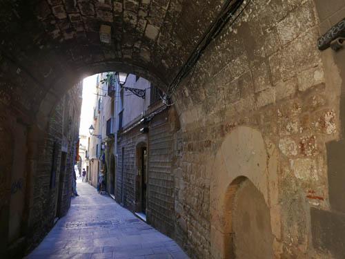 バルセロナ旧市街の路地