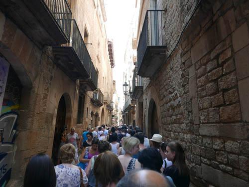 ピカソ美術館に並ぶ人
