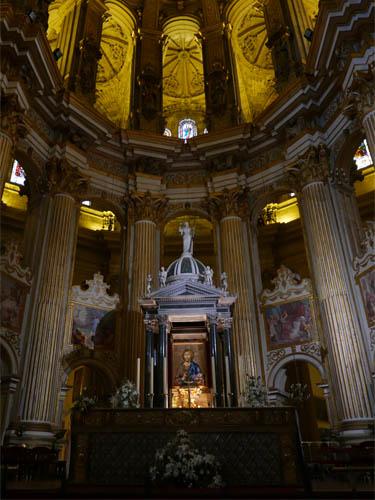 片腕の貴婦人 エンカルナシオン大聖堂