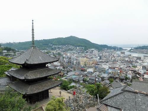 尾道市街を見下ろす