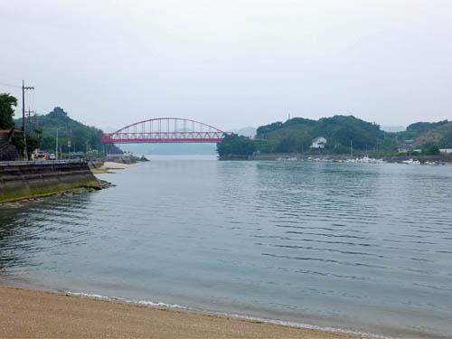 岩子島と向島大橋