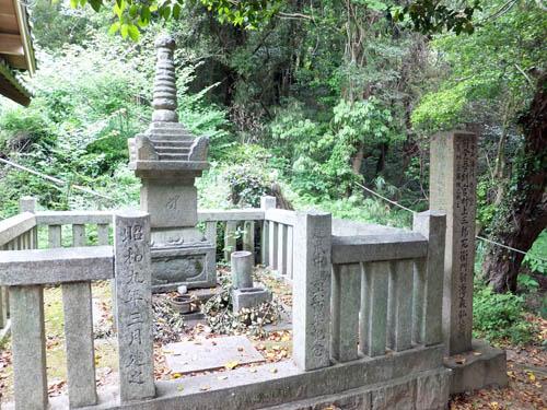 村上義弘の墓
