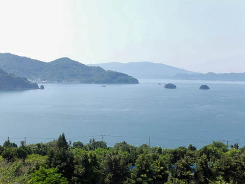 上蒲刈島を望む