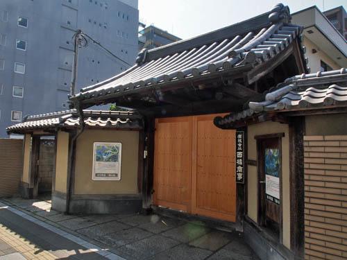 前田家江戸屋敷の門
