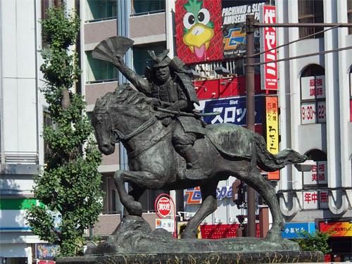 熊谷次郎直実の像