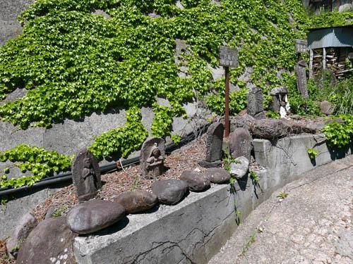 長坂の石仏群