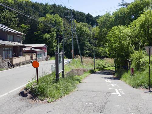 茂田井宿入口