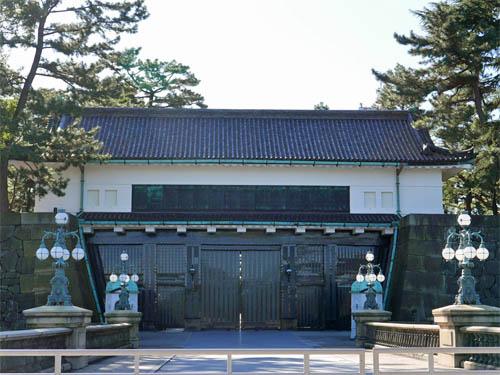 西の丸大手門