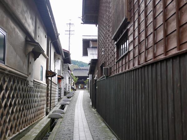 寺門前小路