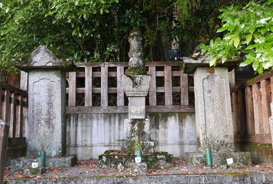 木曽義仲公墓所
